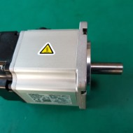 AC SERVO MOTOR R88M-K20030T-S2(200W 중고)